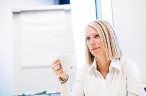 """""""I virksomheder, hvor man får mange spørgsmål om fakturaerne, kan det være en vej at benytte eye tracking til at få en større forståelse af, hvad kunden egentlig ser på"""", siger Jane Poulsen."""