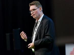 Jørgen Kristensen Rasch, formand for Kit@ og digitaliseringschef i Egedal kommune, indledte dagens program på hovedscenen.