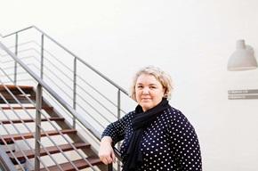 """""""Europæisk forskning viser, at dødeligheden falder med op til 25 procent blandt dem, der deltager i et screeningsprogram for kolorektal cancer"""", siger Helle Hesthaven fra Danske Regioner."""